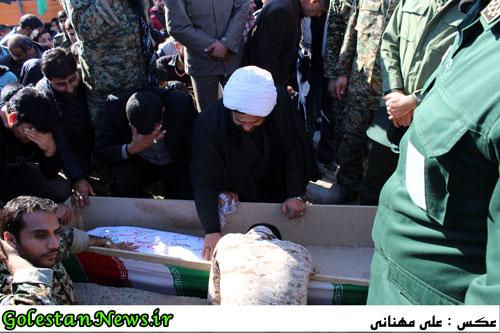 تشییع و خاکسپاری پیکر مطهر 2 شهید گمنام در سنگدوین/2
